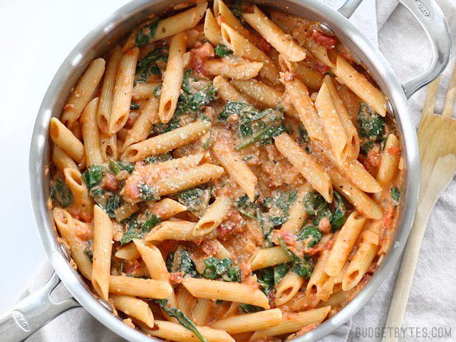 Vegetarian Meals: Creamy Tomato and Spinach Pasta