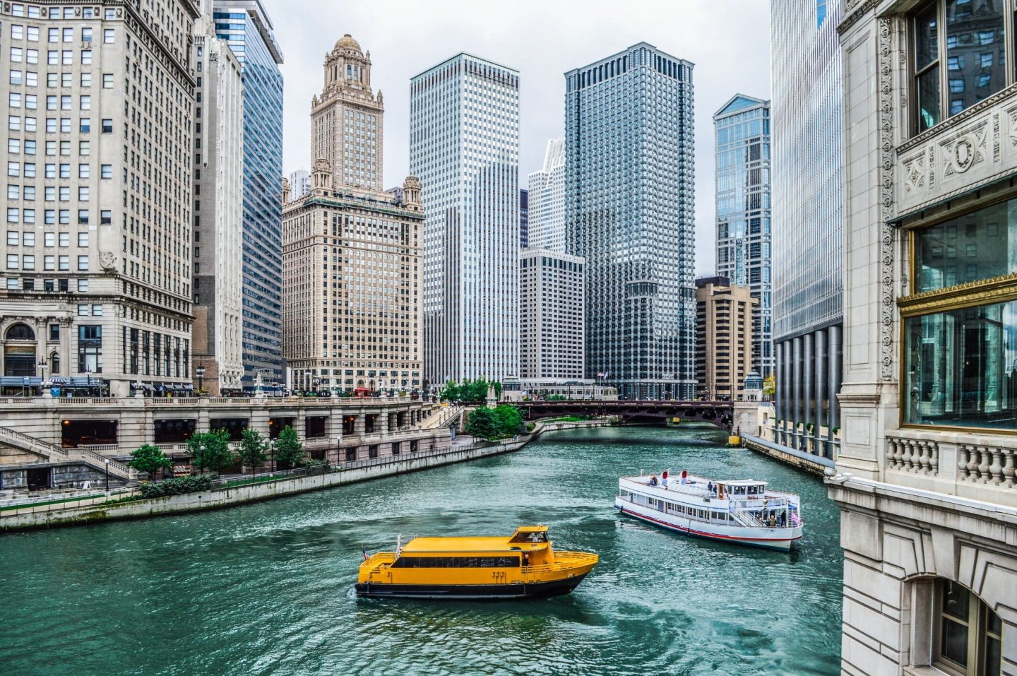 Travel Guide: Chicago, IL